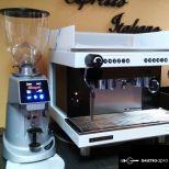 Eladó Új kávéfőzőgép darálóval