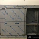 RAKTÁRON! Rozsdamentes tolóajtós faliszekrény, állítható közbenső polccal 130x35x95 cm