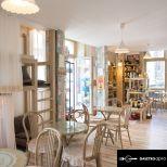 Vintage hangulatú belvárosi kávézó, teázó eladó