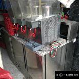 Üdítőital hűtő-adagoló